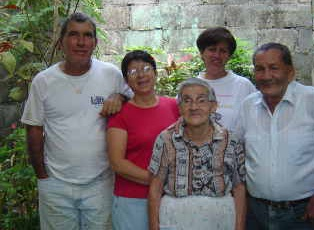 Jan Yatsko's Costa Rican friends in Atenas, Costa Rica